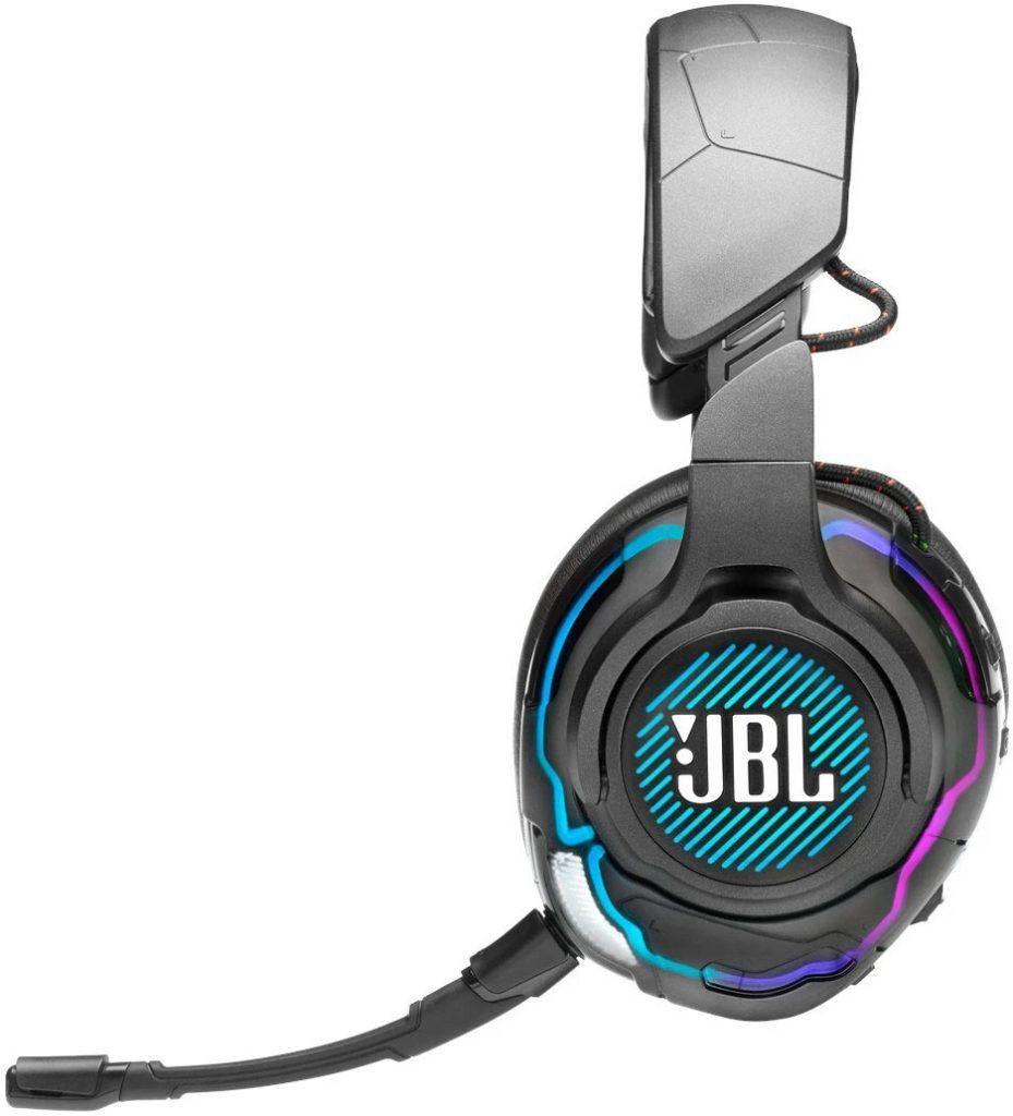 JBL Quantum One är ett gamingheadset för den kräsne gamern. Bäst i test bland headset med kabel 2021.