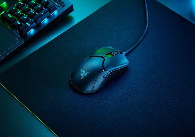 Razer Viper 8KHz är en datormus för både högerhänta och vänsterhänta och en gamingmus av toppklass med fantastisk respons och följsamma rörelser. Vårt val av bästa gamingmus med kabel 2021.
