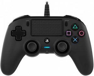 Nacon Wired Compact är en kabelbunden handkontroll för PS4, billigare i pris än en trådlös men fortfarande en bra kontroll.