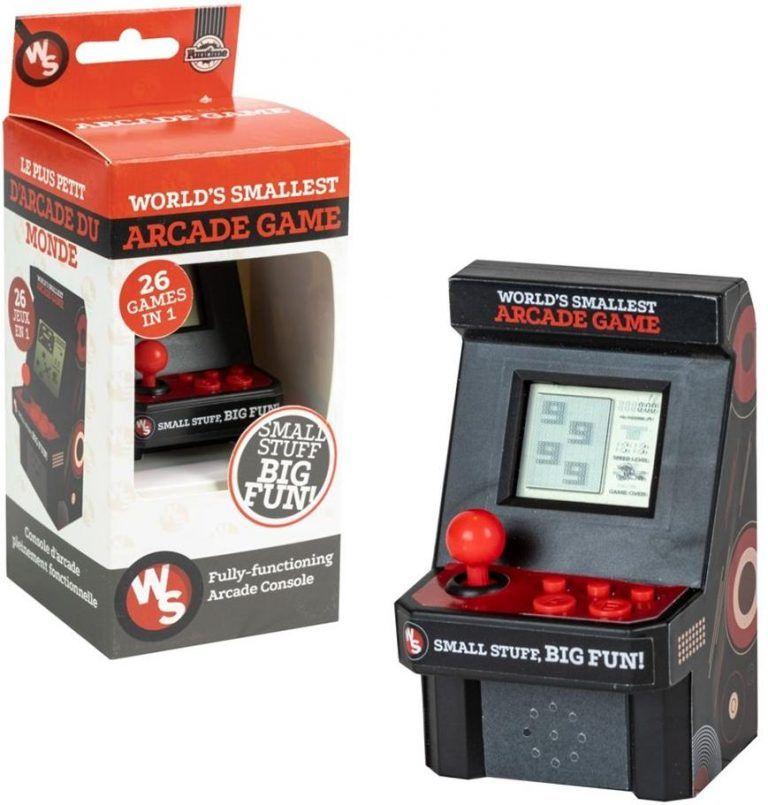 Världens minsta arkadspel är ett cool och rolig pryl för gamingrum. Ett bra komplement till en gamingsetup och gör sig bra som inredning också.