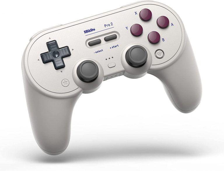 8Bitdo Pro 2 Gamepad är en av de bästa handkontrollerna till PC, och bäst i test hos oss. Anpassningsbar, bekväm och snygg. Perfekt som julklapp till gamer.