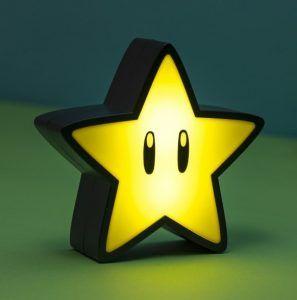 Ett starkt julklappstips är att ge bort en häftig lampa med gamingmotiv, som denna stjärna från Super Mario.