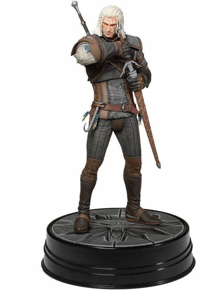 The Witcher 3 - Wild Hunt_ Heart of Stone Geralt Deluxe Statue är en staty från populära The Witcher 3. En Merchandise som många gamers tycker om att få i present.