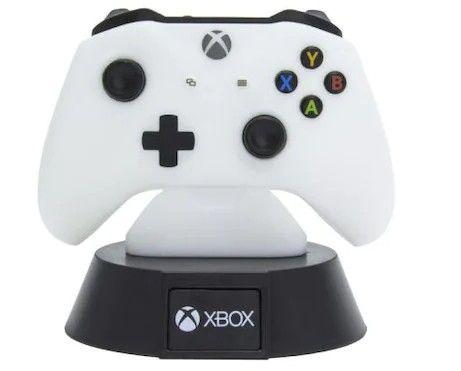 Xbox handkontroll lampa passar perfekt att ge bort som present till någon som älskar Xbox.