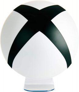 En förträfflig lampa med Xbox-loggan. Lyser upp fint i ett gamingrum. Julklappstips till en gamer.